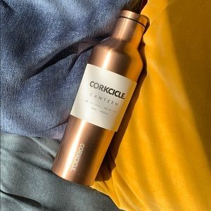 ✨FREE with Purchase!✨Corkcicle Canteen - Copper